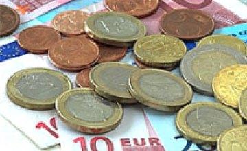 Курс евро продолжает снижаться