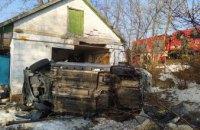В Петриковском районе легковушка с двумя взрослыми и двумя детьми врезалась в  «летнюю» кухню