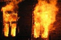 В Киеве горел частный дом: погиб человек