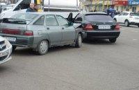 На пересечении пр.Слобожанском и ул.Калиновой в Днепре произошло ДТП (ФОТО)