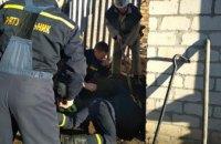 В Днепропетровской области годовалый малыш провалился в выгребную яму (ФОТО)