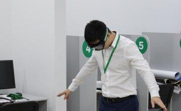 В Днепре представили очки, которые спасают жизнь водителям
