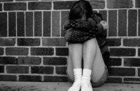В Запорожье бывший учитель развращал 15-летнюю студентку