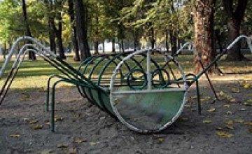 В сквере им. Ленина до сих пор не отремонтировали детскую площадку