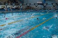 В «Метеоре» проходит один из самых массовых чемпионатов Днепра по плаванию