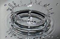 Почти месяц жители Днепропетровска живут без питьевой воды