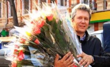 В преддверии 8-го марта в Днепропетровске - небывалый цветочный ажиотаж