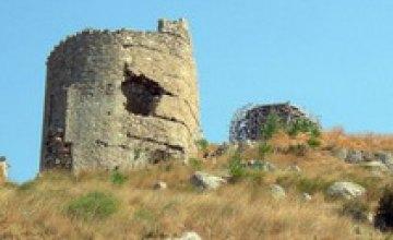 Ничто не вечно: дождь разрушил часть крепости XIV века в Крыму