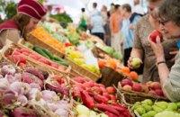 Допуск покупателей без масок и торговля продуктами без защитных экранов: какие нарушения фиксируются Госпродпотребслужбой на рынках Днепропетровщины