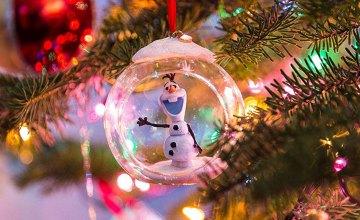 Как выбрать безопасные и качественные новогодние игрушки: советы от эксперта