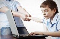 Дети заполняют Интернетом досуг, а потом становятся зависимыми, - психолог о детском психическом здоровье