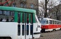 В Днепре несколько трамвайных и троллейбусных маршрутов приостановят движение