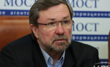 До выборов рассматривать процесс децентрализации очень рискованно, - Владислав Романов