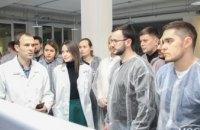 Производство дентальных имплантатов Bauers Implants в Днепре провел экскурсию для стоматологов (ФОТОРЕПОРТАЖ)