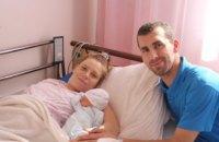 В роддоме больницы им. Мечникова в семье чемпионов мира по пулевой стрельбе родилась дочь (ФОТО)