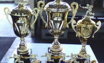 21 мая в Днепропетровске стартовал традиционный хоккейный турнир «Кубок Днепра» (Трейдпроинт-8)