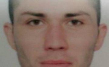 Полиция Днепропетровской области разыскивает мужчину, который собирал деньги под видом волонтера
