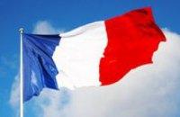 Во Франции продлили чрезвычайное положение на 3 месяца
