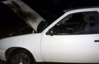 В Днепре на Тополе загорелась иномарка (ФОТО)