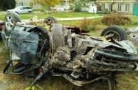 В Одесской области пьяный водитель врезался в столб: пострадали 2 человека