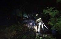 В Пятихатском районе на территории частного дома среди ночи сгорел сеновал