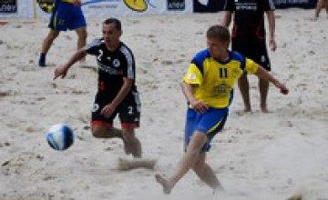 Днепропетровск отыграл в пляжный футбол
