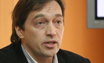 Виктор Янукович имеет достаточно большой кредит доверия, - Александр Смирнов