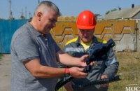 ДТЭК Днепровские электросети устанавливает птицезащитные устройства в Новомосковском и Магдалиновском районах