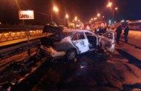 В Киеве неизвестный подорвал гранатой автомобиль (ФОТО)