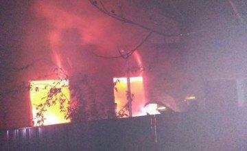 Ночью на Днепропетровщине горел жилой дом: информация о погибших и пострадавших