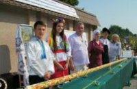 Новый рекорд: на Днепропетровщине изготовили самый большой в Украине расписной рогач