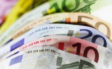 Торги по доллару на межбанке завершились в диапазоне 7,8930-7,8960 грн./$