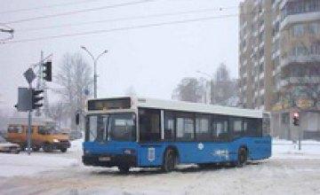 В Новогоднюю ночь городской транспорт будет работать в полную силу