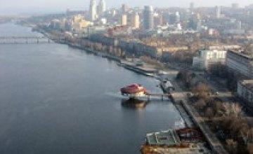 Экологи: «Река Днепр в скором времени может превратиться в болото»