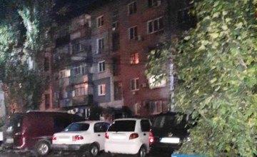 В Никополе 18-летний парень избил бездомного по голове