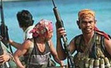 Сомалийцы освободили турецкое судно с двумя украинцами на борту