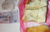 В Днепропетровской области заключенному пытались передать сало с деньгами