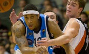 Баскетболисты «Днепра» переиграли симферопольских «Грифонов» 77:63