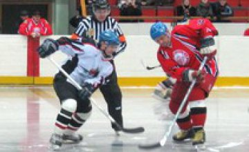 ХК «Приднепровск» уступил «Донбассу» в борьбе за 1-е место в Восточном дивизионе