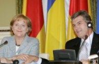 Ангела Меркель обнадежила Виктора Ющенка относительно членства Украины в НАТО