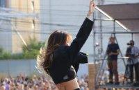 Відомі музичні гурти та шоу популярних диджеїв: як відсвяткували День міста на головній сцені Дніпра