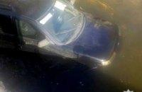 В Харьковской области автомобиль слетел с моста в реку (ФОТО)