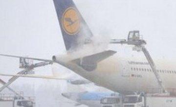 Снегопады парализовали авиасообщение по всей Европе