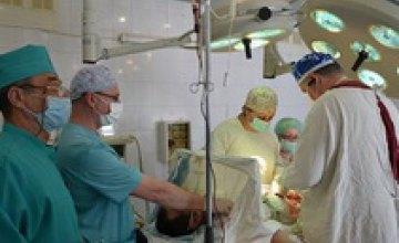 В больницу Мечникова из зоны АТО доставили раненых военных и волонтеров