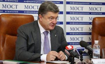 Порошенко намерен вводить квоты на украинский язык в телеэфирах