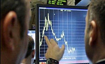 Торги на межбанке закрылись на уровне 8,01/8,04 грн./$1.