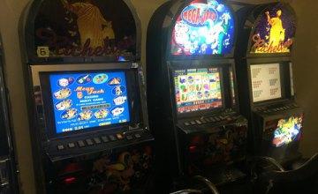 В Днепре выявили подпольный зал игровых автоматов