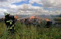 В Петриковском районе на территории частного дома сгорело 260 тонн сена и 1,5 га травы