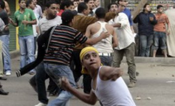 В революционном Египте продолжают находиться около тысячи украинцев