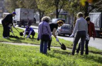 Вже 170 дерев висадили в місті слухачі «Університету третього віку» в рамках програми озеленення та декадника #Дніпро_квітучий